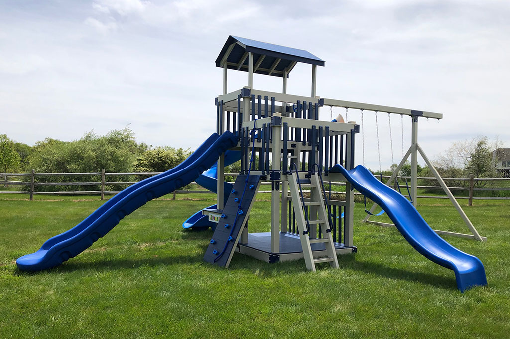 Custom playset for a New York state family