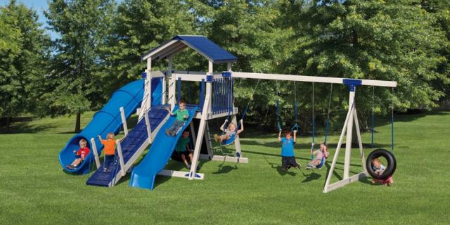 giggle junction climbing swing set