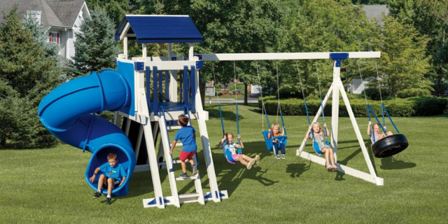 giggle junction with tire swing